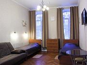 Комната 16 м² в > 9-ком. кв., 2/5 эт. Санкт-Петербург