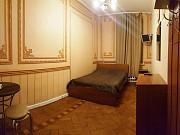 Комната 14 м² в > 9-ком. кв., 2/5 эт. Санкт-Петербург