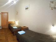 Комната 12 м² в > 9-ком. кв., 2/5 эт. Санкт-Петербург