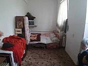 Комната 13 м² в 8-ком. кв., 2/2 эт. Екатеринбург