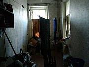 Комната 14 м² в 7-ком. кв., 2/2 эт. Псков
