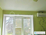 Комната 12.8 м² в 3-ком. кв., 2/4 эт. Волгоград