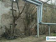 Трехэтажное здание Киров