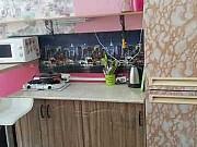Комната 28 м² в 5-ком. кв., 3/5 эт. Санкт-Петербург